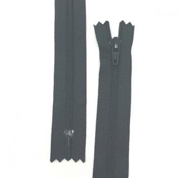 YKK NYLON DRESS ZIP 22in/56cm BLACK