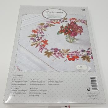 BERRY WREATH KIT CLOTH