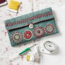 SEWING POUCH FELT EMBROIDERY KIT By CORINNE LAPIERRE