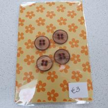 WOODEN BUTTONS PACK OF 4